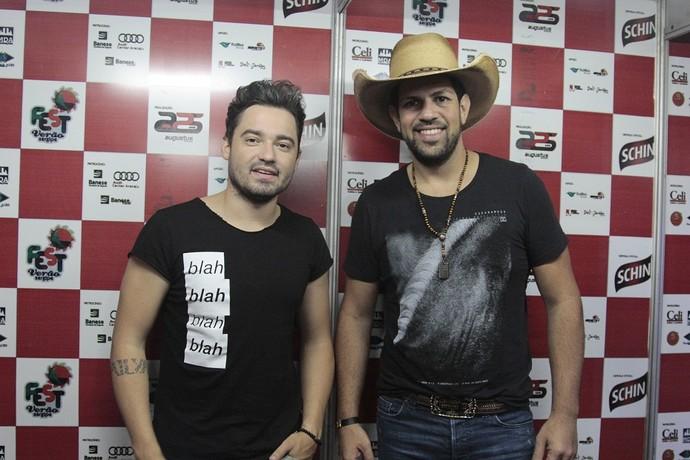 Fernando e Sorocaba traz o sertanejo para o Fest Verão Sergipe (Foto: Osmar Rios)