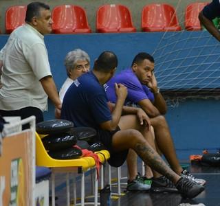 Paulão e Wagner treino Mogi das Cruzes Basquete (Foto: Cairo Oliveira)