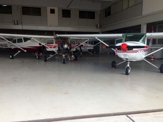 Escola de aviação aviões Divinópolis (Foto: Jéssica Lopes/G1.com)