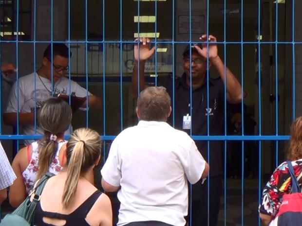 Agência do INSS em período de greve em Campinas (SP) (Foto: Reprodução/ EPTV)