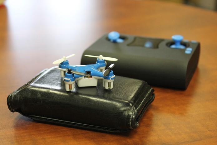 Veículo se apresenta como o menor quadcóptero do mundo (Foto: Reprodução/Indiegogo)