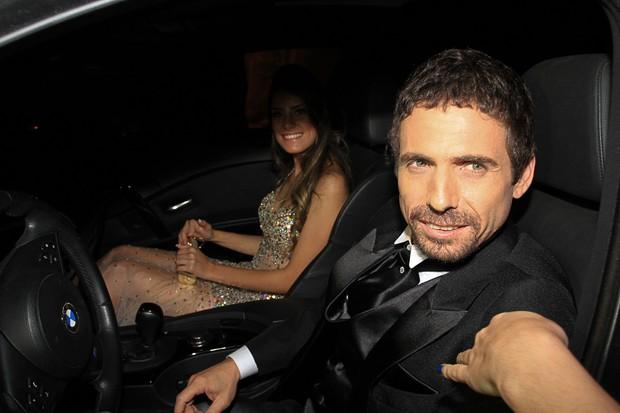 Hudson chega para o casamento de Edson (Foto: Claudio Augusto e Amauri Nehn / Foto Rio News)