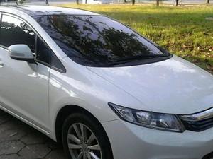 Veículo furtado foi recupardo em Guarujá, SP (Foto: Divulgação/GCM)