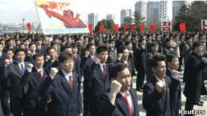 Parada no tempo, Coreia do Norte nunca esteve em paz (Foto: Reuters)