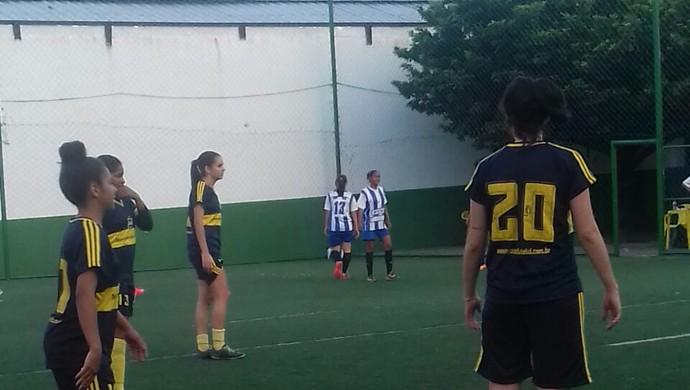 Nova Geração e Anglo se enfrentaram pela terceira rodada do PE Feminino de Futebol 7 (Foto: Divulgação / Federação Society PE)