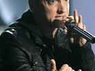 Eminem recebe principal prêmio no primeiro YouTube Music Awards