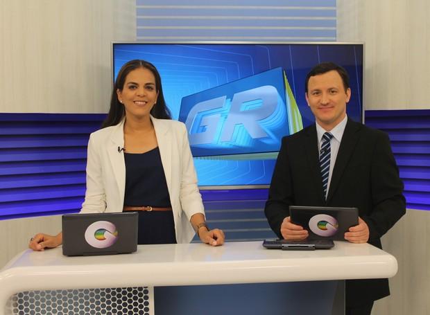 Vilma Oliveira e Elizando Oliveira comandam o GRTV 1ª edição.  (Foto: Gabriela Canário)