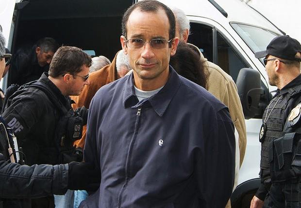 O empresário Marcelo Odebrecht chega à sede da Polícia Federal em Curitiba, após ser preso em ligação com investigação da Operação Lava Jato (Foto: Estadão Conteúdo)