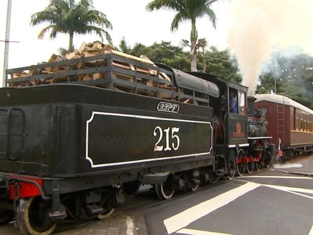 Maria- Fumaça anima o turismo de Jaguariúna (Foto: Reprodução EPTV)