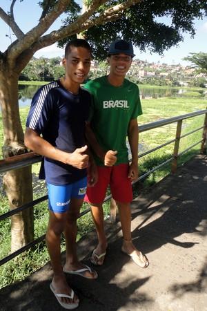 Irmãos Milton e Dalvan Luz, promessas da canoagem de Ubaitaba (Foto: Raphael Carneiro)