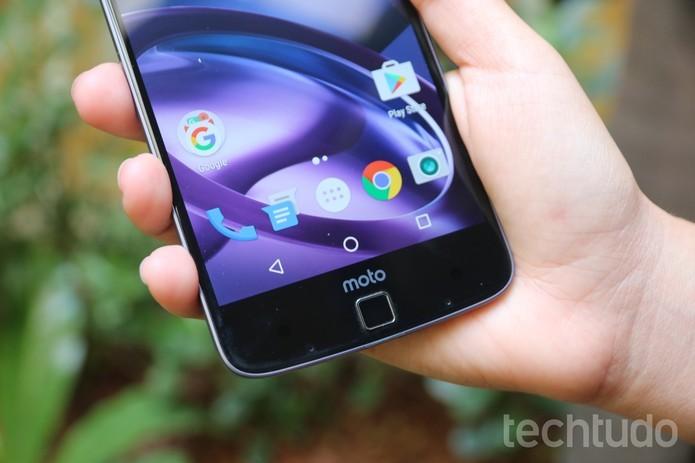 Linha Moto Z e Moto G4 têm app de Google Fotos ao invés de Galeria (Foto: Aline Batista/TechTudo)