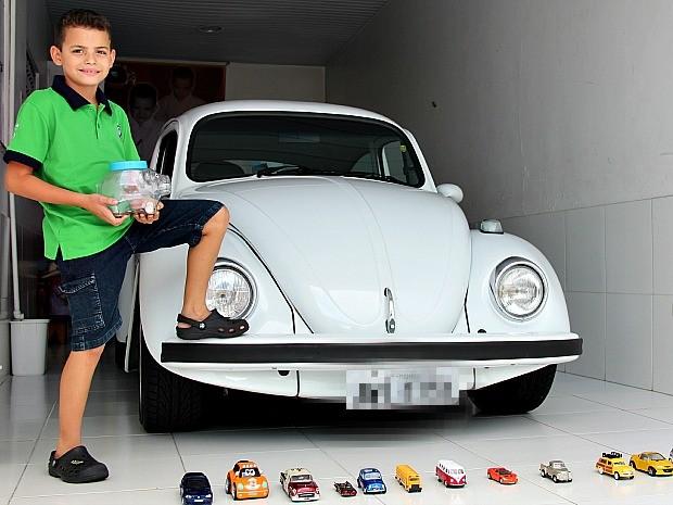 Iann comprou um Fusca 1981 com dinheiro do seu próprio cofre (Foto: Indiara Bessa/ G1 AM)