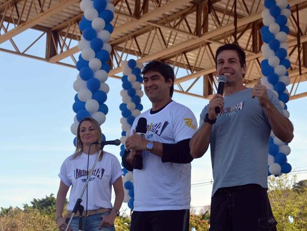 Zeca Carmargo e Marcio Atalla participaram das atividades do Medidinha Certa pelo Brasil (Foto: Divulgação)