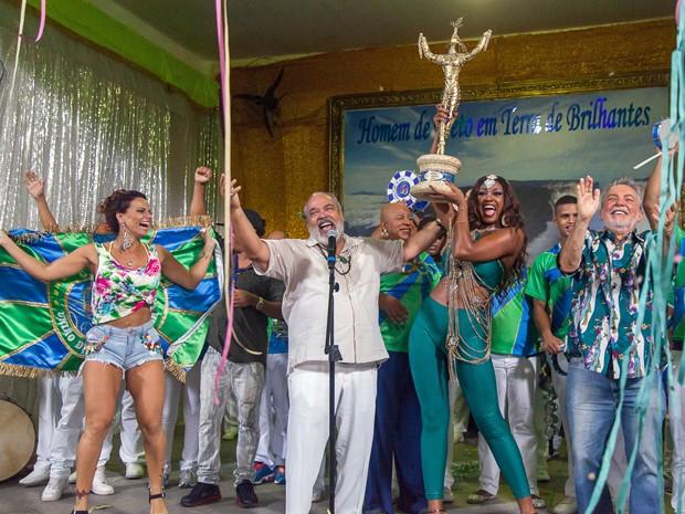 União de Santa Teresa comemora a vitória! (Foto: Artur Meninea/ Gshow)