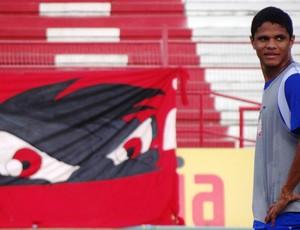 Douglas Santos, lateral-esquerdo do Náutico (Foto: Lula Moraes/Globoesporte.com)
