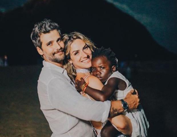 Bruno Gagliasso e Giovanna Ewbank com a filha, Titi (Foto: Reprodução/Instagram)