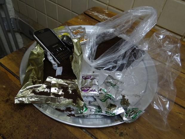 Drogas foram encontradas dentro de alimentos (Foto: Blog do Sigi Vilares)