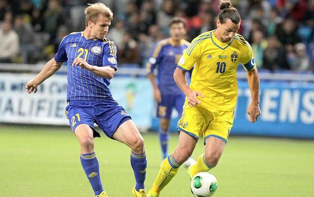 Ibrahimovic jogo Suécia contra Kazaquistão (Foto: Reuters)