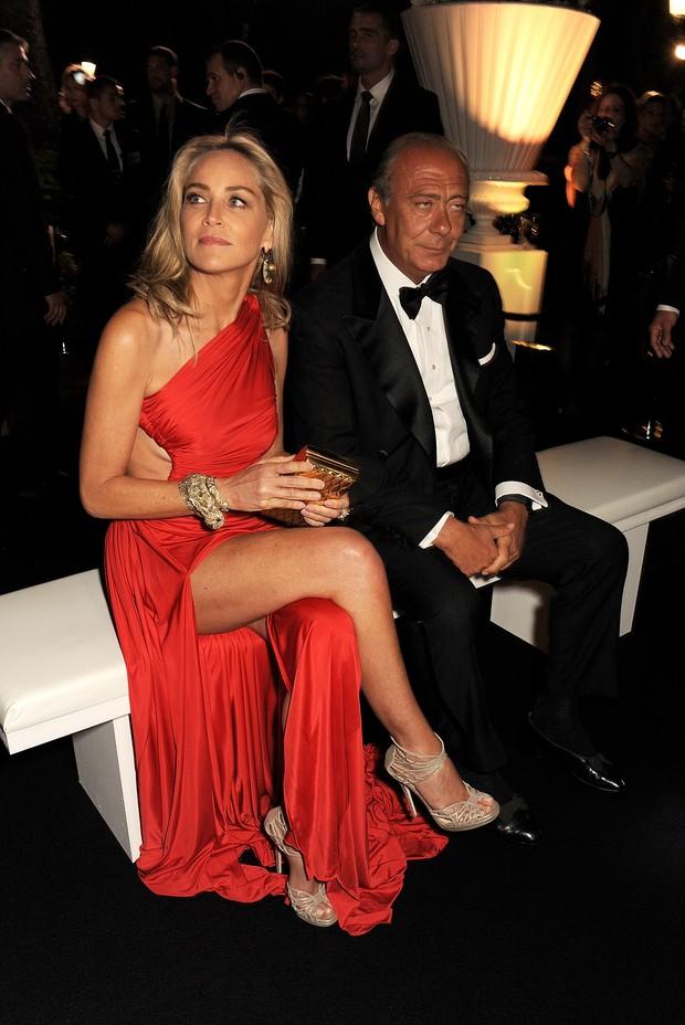 Sharon Stone e o empresário Grisogono Fawaz Gruosi em festa em Antibes, na França (Foto: Dave M. Benett/ Getty Images)