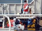 Imigrantes dizem que colisão causou naufrágio; promotoria culpa capitão