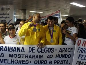 recepção de atletas paralímpicos em João pessoa (Foto: Lucas Barros/ globoesporte.com)