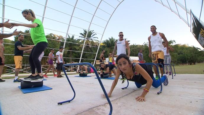 Maria Menezes vira crossfitter por um dia (Foto: TV Bahia)