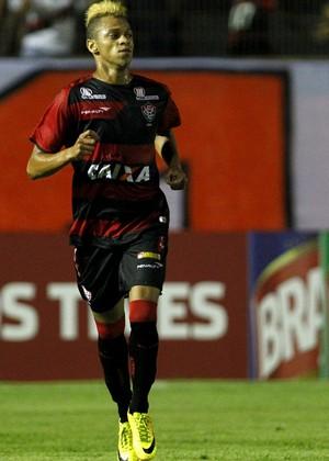 William Henrique, Vitória (Foto: Felipe Oliveira/Divulgação/EC Vitória)