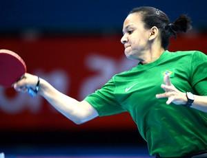 Ligia Silva na partida de tênis de mesa em Londres (Foto: EFE)