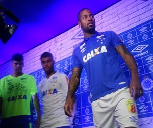 Lançamento da nova camisa do Cruzeiro (Foto: Mauricio Paulucci)