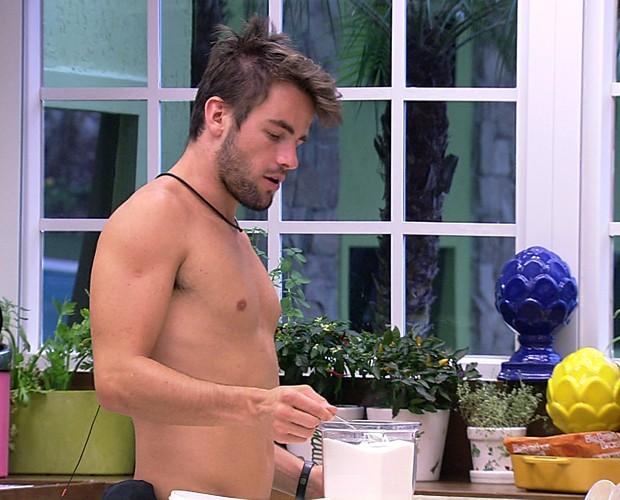 Rafael Cozinhando 01 (Foto: BBB/Gshow)