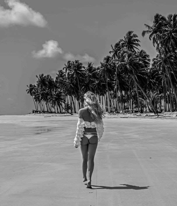 Giovanna Ewbank em um ensaio sensual no Praia dos Carneiros (Foto: Reprodução/Gioh)