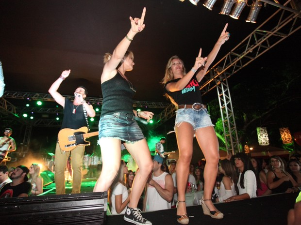 Antônia Fontenelle dança em show em Salvador, na Bahia (Foto: Heber Barros/ Agência Sércio Freitas/ Divulgação )