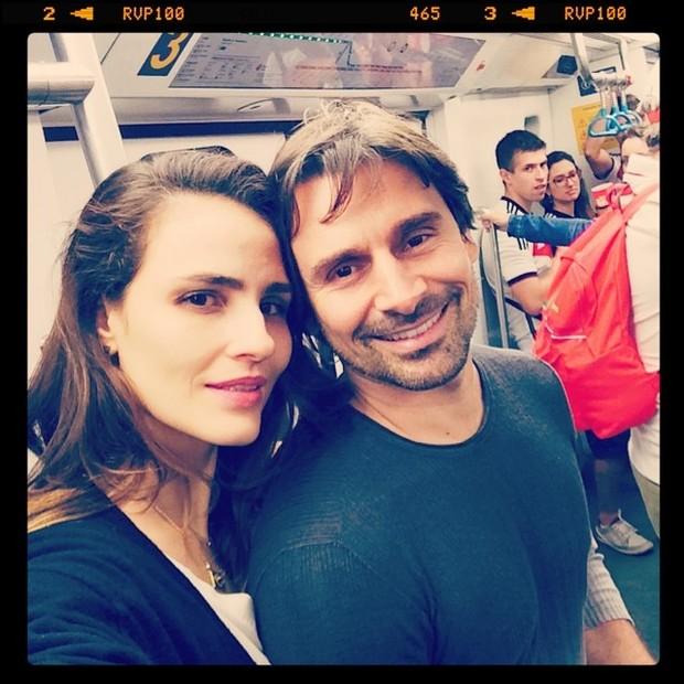 Fernanda Tavares e Murilo Rosa em metrô no Rio (Foto: Instagram/ Reprodução)