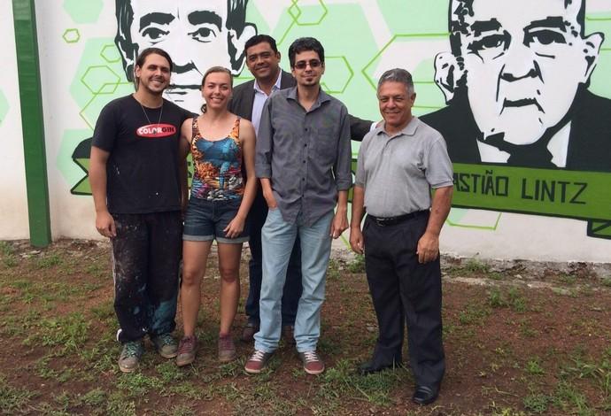 Vila Olímpica - Grafite Muro personagens Uberlândia Esporte - Lian Bonini, Kueia, Dr. Luiz Martins, Pácis Júnior e Odival Ferreira (Foto: Luis Corvini)