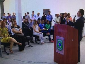 Medonça Prado participa de coletiva com a imprensa nesta quarta-feira (Foto: Reprodução/TV Sergipe)