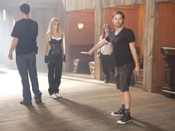 """Zach Woodlee orienta a atriz Heather Morris durante a coreografia do número """"Me Against The Music"""" (Foto: Divulgação/TV Globo)"""