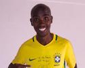 Fã de futebol, Mo Farah ganha camisa do Brasil autografada por Neymar