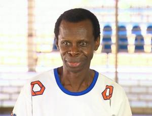 Nelsinho integrou a equipe de atletismo da Gama Filho em 1976 (Foto: Reprodução SporTV)