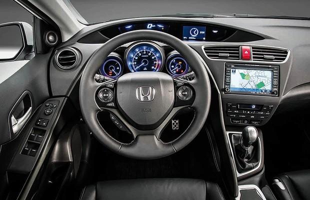 Novo honda civic hatch europeu revelado auto esporte for Interior honda crv 2014