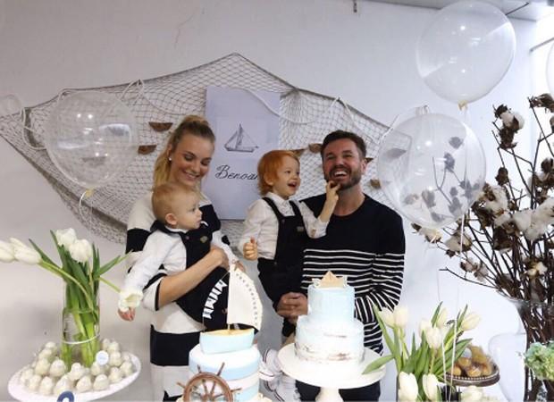 Carol Trentini comemora aniversário de Benoah em família (Foto: Reprodução/Instagram)