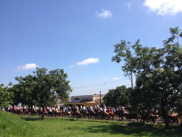 Organização acredita que neste ano mais de 2 mil pessoas participaram do passeio (Foto: Vanessa Navarro/RPC)