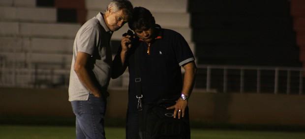 Zé Mário Crispim e Marcelo Veiga, no Botafogo-SP (Foto: Cleber Akamine / globoesporte.com)
