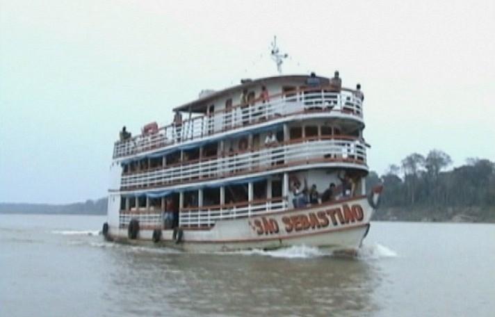 Embarcações precisam redobrar a atenção (Foto: Jornal do Amazonas)