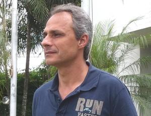 Jordan de Freitas técnico Nacional de Uberaba 2013 2014 (Foto: Alex Rocha/ GloboEsporte.com)