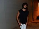 Sem Marquezine, Marlon Teixeira vai a festa de criador do Lollapalooza