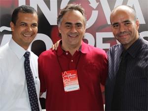 Pastores Jutay Meneses e Miguel Arcanjo, do PRB, anunciaram apoio a Cartaxo (Foto: Divulgação)