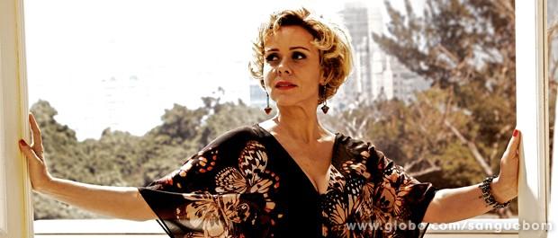 Giulia Gam diz que sua personagem em Sangue Bom é 'uma alpinista artística' (Foto: Sangue Bom/TV Globo)