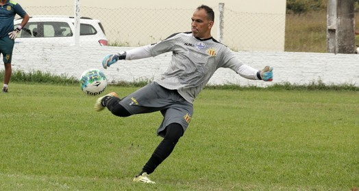 BOLA FRENTE (Vinicius Bogea /  Sampaio Corrêa)