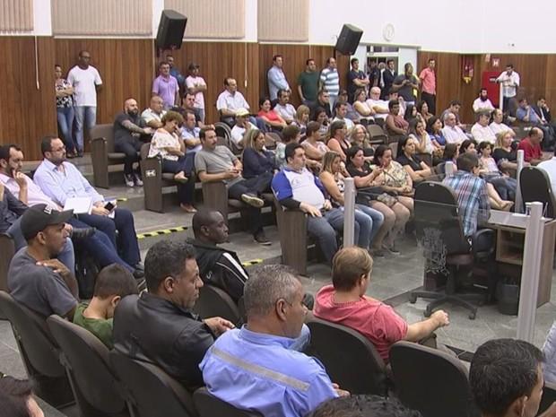 Reclamação de moradores motivou audiência pública em Itapetininga (Foto: Reprodução/TV TEM)