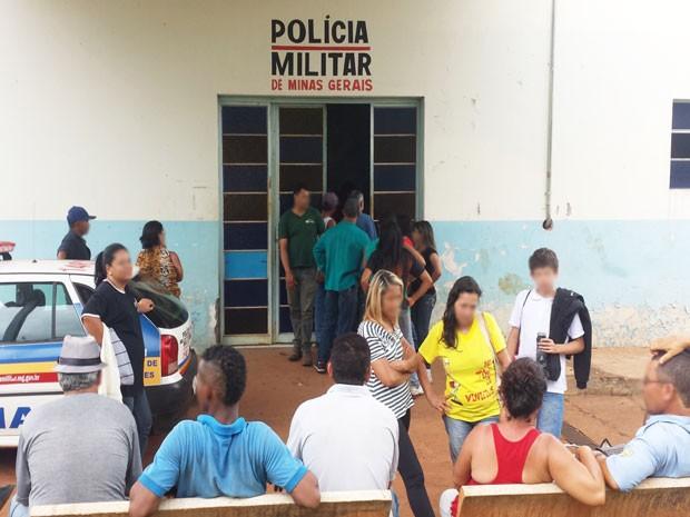 Grupo foi parar na Delegacia depois de ocupação (Foto: Flávio Henrique/G1)